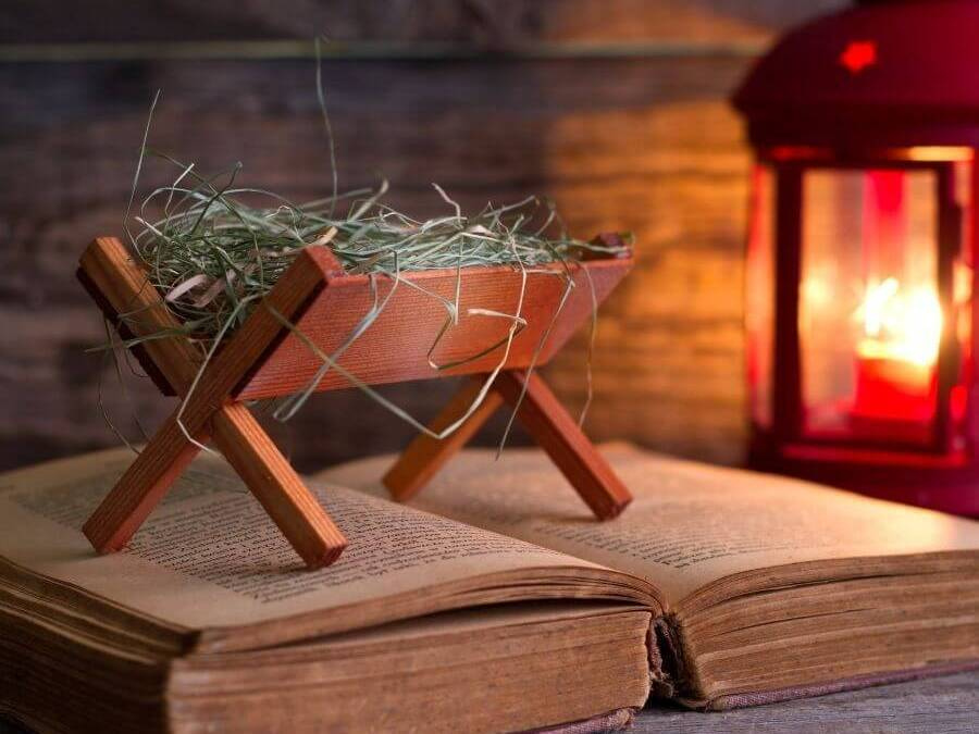 40 Christmas Ideas to Help Your Grandchildren Know, Love, and Serve Jesus